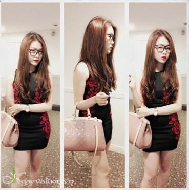Đầm body viền hoa văn đỏ