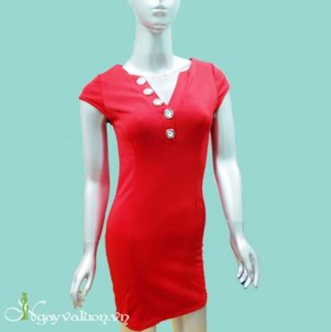 Đầm Đỏ Dạo Phố