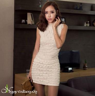 Đầm ôm ren